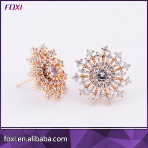 Customize Glass Gemstone Jewelry Flower Shape Stud Earrings pictures & photos