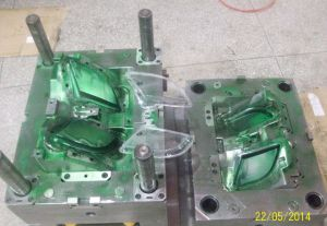 Customerized Plastic Injection Moulding for Electronic Product pictures & photos
