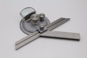 Measuring Tool Vernier Universal Bevel Protractor pictures & photos