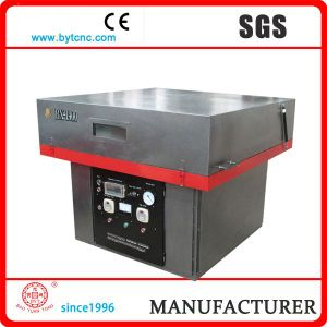 Small Vacuum Forming Machine pictures & photos