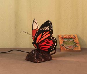 Art Tiffany Table Lamp 802 pictures & photos
