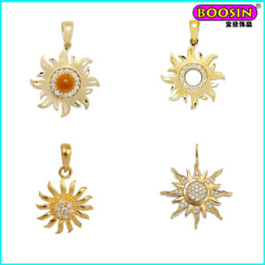 Fashion Custom Made Wholesale Gold Sun Necklace Men Pendant pictures & photos