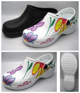 EVA Clog Shoes with OEM Design Printing (21FC757) pictures & photos
