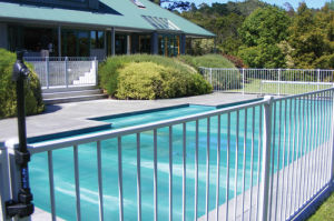 Flat Top Flat Bottom (2/3 Rails) Interpon Powder Coated Swimming Pool Fence with Gate pictures & photos