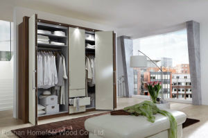 Customized Wooden Wardrobe for Bedroom (HF-EY0809) pictures & photos