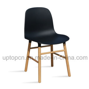 Simple Restaurant Plastic Chair with Durable Solid Wood Legs (SP-UC533) pictures & photos