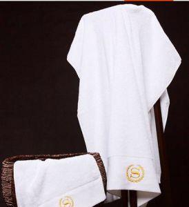 100% Cotton Hotel Towels pictures & photos