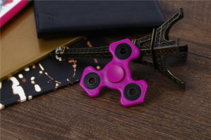 Decompression Toys, Spinning More Than Two Munites Small Finger Toy Hand Fidget Spinner Toy pictures & photos