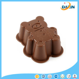 OEM Design Non-Stick Bear Shape Food-Grade Silicone Cup Cake Mold pictures & photos