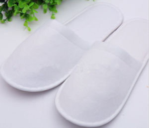 Hot Sale Hotel Slipper / 3 Stars Hotel Slipper /Closed Toe Color Tiping Indoor Slipper pictures & photos