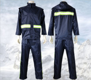 2017 High Quality Reflective Raincoat with Pants pictures & photos
