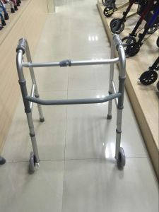 Walking Rollator for Elderly Walking pictures & photos