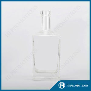 700ml Premium-Quality Liquor Glass Bottle for Rum (HJ-GYSN-A04) pictures & photos
