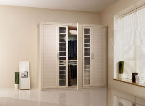 Modern Luxury Wood Grain Walk-in Bedroom Closet Wardrobe Design pictures & photos