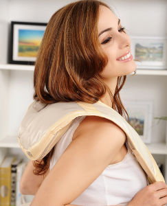 The Neck and Back Shiatsu Heat Neck and Shoulder Massager pictures & photos