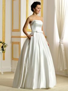 2017 Strapless Matte Satin Ball-Gown Bowknot Pockets Wedding Dress (Dream-100053) pictures & photos