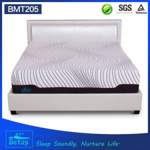 OEM Compressed Roll up King Size Mattress 30cm High with Gel Memory Foam and Knitted Fabric Cover pictures & photos