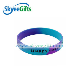2017 Custom Rubber Silicone Bracelet with Logo Desogn pictures & photos
