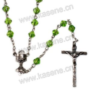 Diamond Shape Catholic Crucifix Rosary Necklace with Virgin Mary Centerpiece pictures & photos