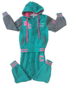 Winter Fashion Girl Children Clothes in Sport Wear Suit for Kids Apparel Swg-153 pictures & photos