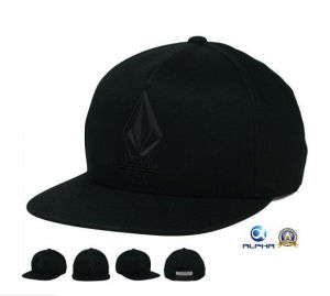 New Fashion Design Embroidery Black Flat Snapback Caps pictures & photos