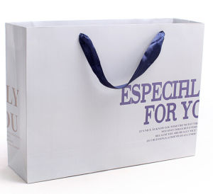 High Quality Unique Design Paper Bag for Cloth (YY-B0202) pictures & photos