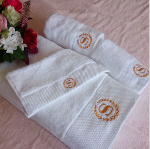 Luxury Embroidered Logo Customized Hotel Bath Towel Wholesale pictures & photos
