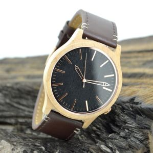 Brown Leather Band Wooden Watch pictures & photos