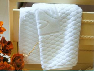 100% Cotton Anti-Slip White Floor Towels for Hotel pictures & photos