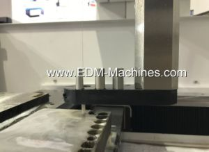 Degree Cutting EDM Machine pictures & photos