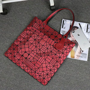 Geometric Patterns PU Matt Red Tote Bag (A0119-4) pictures & photos