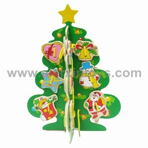 Wooden Lacing Toys of Christmas Tree (81246) pictures & photos