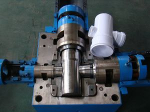 Plastic Injection Mould for Pipe Fitting pictures & photos