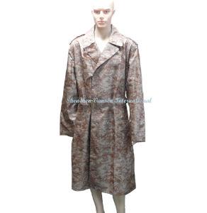 Long Waterproof Raincoat in Desert Digital Camouflage pictures & photos