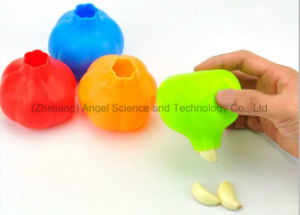 Kitchen Gadge Accessory Silicone Garlic Peeler for Promotion Sk30 pictures & photos