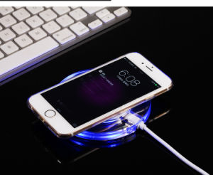 Wireless Charger USB Well Charger No Plug Charging pictures & photos