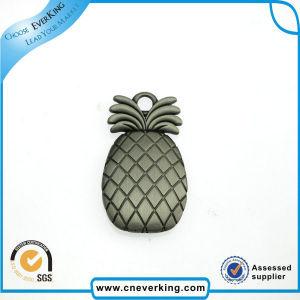 Factory Price Bulk Sale Fancy Pineapple Lapel Pin pictures & photos