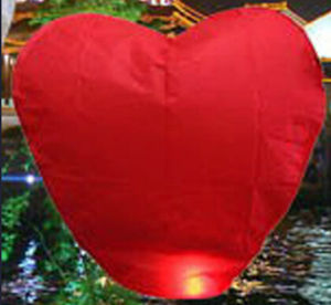High Quality Red Heart-Shape Novelty Lantern pictures & photos