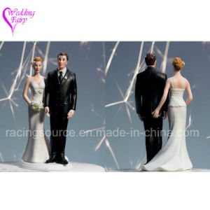 The Love Pinch Caucasian Couple Wedding Cake Topper Figurine pictures & photos