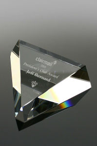 Crystal Triangle Paperweight (#5248) pictures & photos