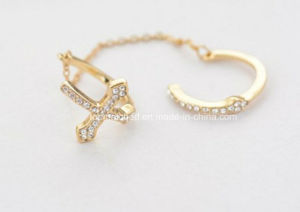 Beautiful Crystal Chain and Cross 3 Gram Gold Ring pictures & photos