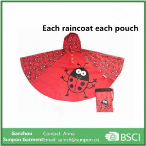Fashionable Childrens Raincoats and Ponchos pictures & photos