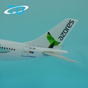 Corporate Gift Items A330-200 Azores Plastic 32cm 1/200 Model Plane pictures & photos