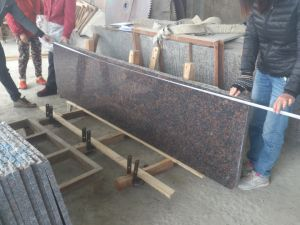 Tan Brown Kitchen Countertop (Tan Brown Tiles, Brown Granite Slabs) pictures & photos