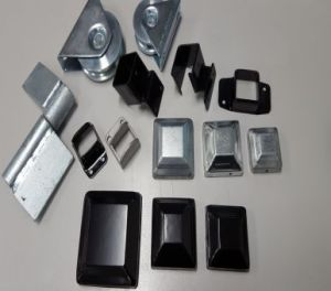 Powder Coated Galvanized Steel Square Fencing Post Cap Component pictures & photos