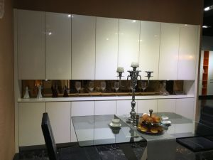 Glossy White Waterproof Kitchen Cabinets for Home (customize) pictures & photos