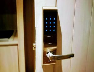 Digital Keypad Code Fingerprint Safe Door Lock for Home pictures & photos