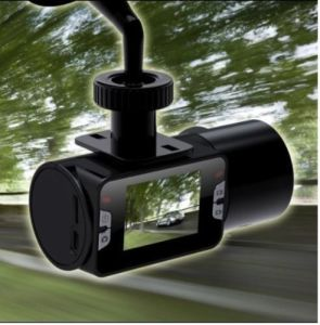 Real HD 720p Auto Video Register, 30fps, 2.0 Inch Screen, IR Night Vision, 5.0m CMOS H190 (FLY-DVR-H190)