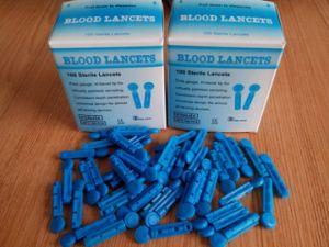 Disposable Medical Plastic Blood Lancet pictures & photos