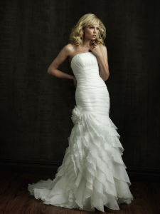 Fashion Style Floor-Length Organza Wedding Gown (N010)